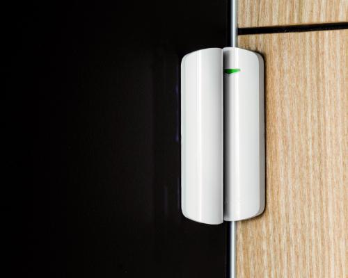Ajax MotionProtect, un détecteur de mouvement sans fil sobre et élégant