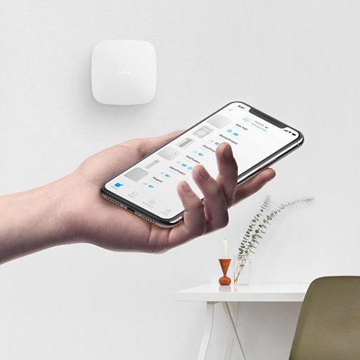 La centrale d'alarme maison Ajax system se pilote entièrement via le smartphone